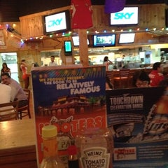 Photo taken at Hooters by Rafael G. on 10/1/2012