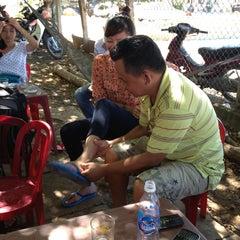 Photo taken at Cà Phê Phòng Vé Cảng Sa Kỳ by 5 B. on 6/24/2013