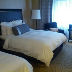 Photo taken at Renaissance Chicago Downtown Hotel by Lin i. on 10/19/2012