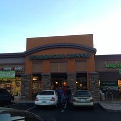 Photo taken at Starbucks by Yxes 💋🍂🍁 ☕. on 12/1/2012