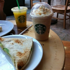 Photo taken at Starbucks by Ed A. on 9/30/2012