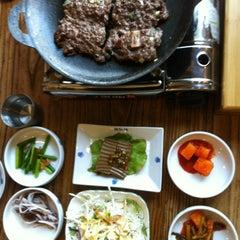 Photo taken at 덕인갈비 by Heejeong S. on 8/6/2013