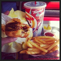 Photo taken at Original Tommy's Hamburgers by Rick N. on 2/10/2014