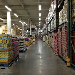 Photo taken at BJ's Wholesale Club by Anne B. on 8/31/2013