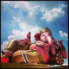 Photo taken at วัดสมานรัตนาราม (Wat Samanrattanaram) by Tum P. on 3/31/2013