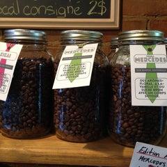 Photo taken at Pourquoi Pas Espresso Bar by Armando B. on 11/14/2014