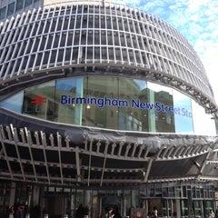 Photo taken at Birmingham New Street Railway Station (BHM) by Simon H. on 5/4/2013