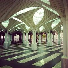 Photo taken at Masjid Asy-Syakirin by Muhi C. on 10/19/2012