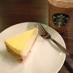 Photo taken at Starbucks by Adrian S. on 11/23/2012
