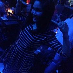 Photo taken at Itchy Pub (อิทชี่) by jutamas s. on 3/14/2015