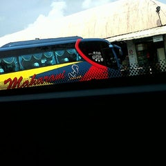 Photo taken at Muar bus express bentayan by aien s. on 10/27/2013
