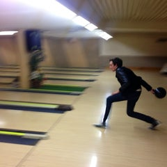 Photo taken at Bowling Champerret by Thomas E. on 5/27/2013