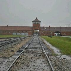 Photo taken at Muzeum Auschwitz-Birkenau by Çağrı Göksu Ü. on 10/27/2012