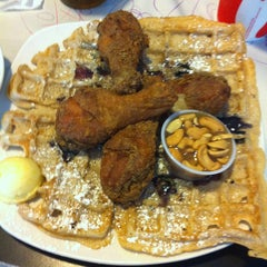 Photo taken at Dame's Chicken & Waffles by Jin Y. on 6/15/2013