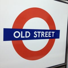 Photo taken at Old Street London Underground Station by Namer M. on 11/9/2012