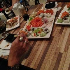 Foto tirada no(a) Hashi Sushi Bar por Profeta M. em 9/7/2013