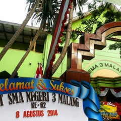 Photo taken at SMA Negeri 4 Malang by Akbar P. on 3/29/2015