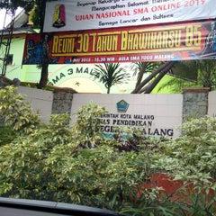 Photo taken at SMA Negeri 4 Malang by Akbar P. on 6/7/2015