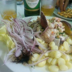Photo taken at Cevicheria Picanteria El Paisa by Hector C. on 3/27/2015