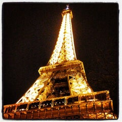 Photo taken at Tour Eiffel by uae2uk B. on 7/23/2013