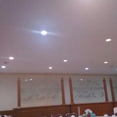 Photo taken at Restoran Cahaya Baru by Fadjar O. on 3/27/2015