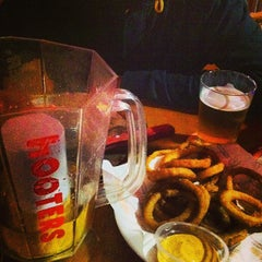 Photo taken at Hooters by Caio L. on 5/31/2013