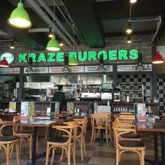 Photo taken at Kraze Burgers by Sangsu J. on 1/28/2013