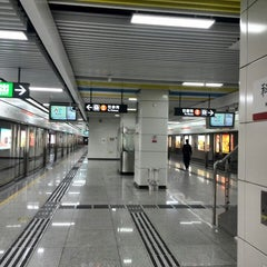 Photo taken at 科苑地铁站 Keyuan Metro Sta. by babelfish z. on 1/17/2014