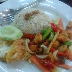 Photo taken at Restoran Soto Shah Alam by Harris H. on 10/31/2012