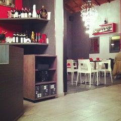 Photo taken at Pizzeria Da Felice by Dea R. on 12/15/2012