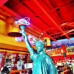 Photo taken at Red Robin Gourmet Burgers by Dennis J. on 7/13/2013