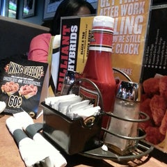 Photo taken at Buffalo Wild Wings by Stephy-Pooh W. on 2/23/2013