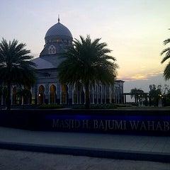 Photo taken at Masjid H Bajumi Wahab by Galant Y. on 8/5/2013
