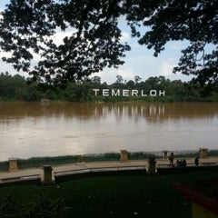 Photo taken at Tepi Sungai Termeloh by AmRi I. on 3/9/2013