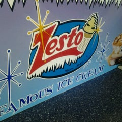 Photo taken at Zesto Drive-Ins by KRick ♈. on 3/24/2013