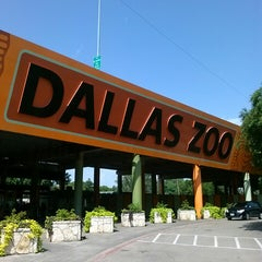 Photo taken at Dallas Zoo by Gershom A. on 8/7/2013