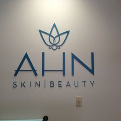 Photo taken at AHN Skin & Beauty by Linda P. on 8/3/2013