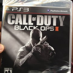 Photo taken at GameStop by Johnny R. on 11/14/2012