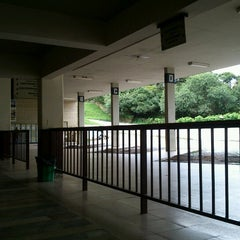 Photo taken at Terminal Rodoviário de Ouro Preto by Yumi I. on 3/27/2013