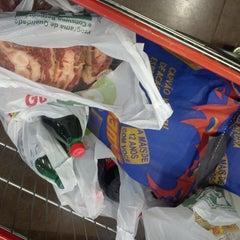 Photo taken at Supermercado Guanabara Jardim Do Sol by Ricardo A. on 6/21/2013