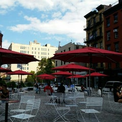 Photo taken at Gansevoort Plaza by Marlene W. on 8/9/2015