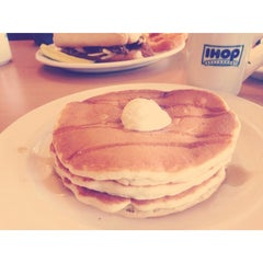 Photo taken at IHOP by Michelle . on 3/4/2014