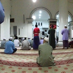 Photo taken at Masjid Abidin (Masjid Putih) by Faeizil C. on 7/15/2013