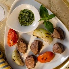 Photo taken at Restaurante Arabia by VEJA SÃO PAULO on 10/1/2012