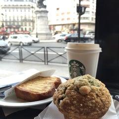 Photo taken at Starbucks by Rémy Dõan N. on 1/25/2015