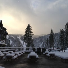 Photo taken at The Ritz-Carlton, Lake Tahoe by Young on 12/26/2012