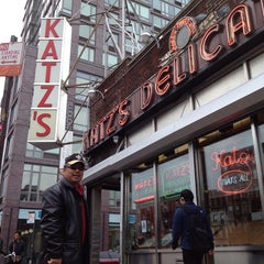 Photo taken at Katz's Delicatessen by s t. on 5/25/2013