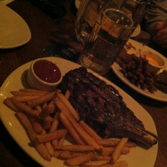 Photo taken at Outback Steakhouse by Michele D. on 11/10/2012
