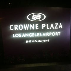 Photo taken at Crowne Plaza Los Angeles Airport by Araken D. on 11/19/2012