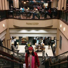 Photo taken at Barnes & Noble by Rod M. on 12/23/2012
